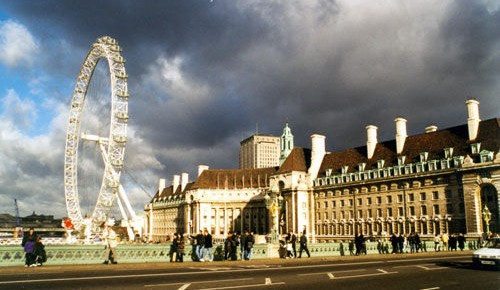 中国赴英留学生2018年增幅达13% 总数已接近10万人