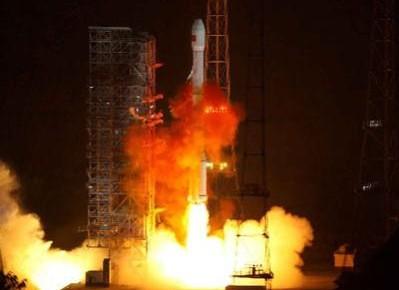 """我国成功发射第二代数据中继卫星系统首星""""天链二号01星"""""""