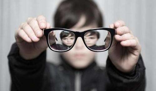 国家卫健委调查:全国儿童青少年一半以上近视