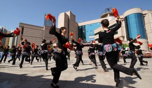广场舞扰民?警方开出首张广场舞噪音扰民罚单!