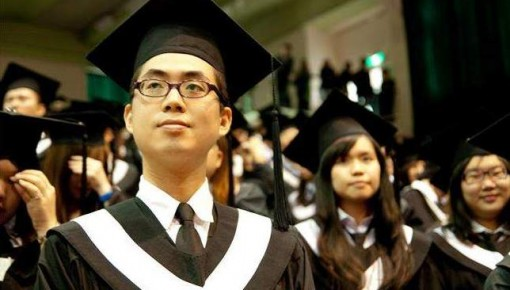 教育部:毕业证学位证发放 不准与就业签约挂钩