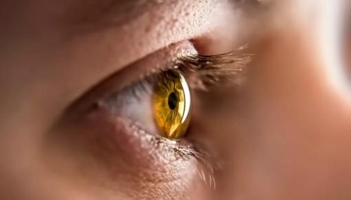 眼睛出现这些症状一定要警惕!很可能是干眼症