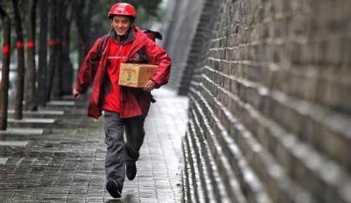 中国快递协会强烈呼吁关爱快递员 正研究建立不良用户黑名单制度