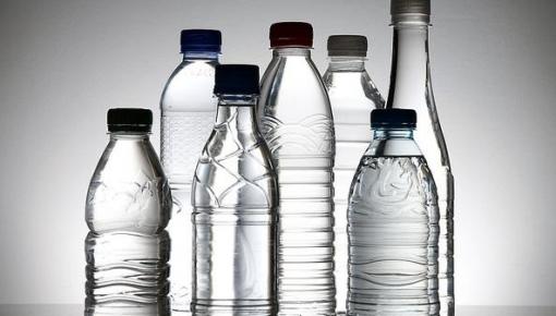 你經常用塑料瓶喝水嗎?這個風險不得不提