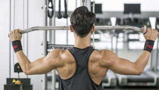 健身应有度!过度增肌可能引发饮食失调心力衰竭