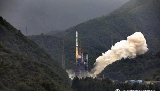 一箭三星!长二丙成功发射遥感三十号05组卫星