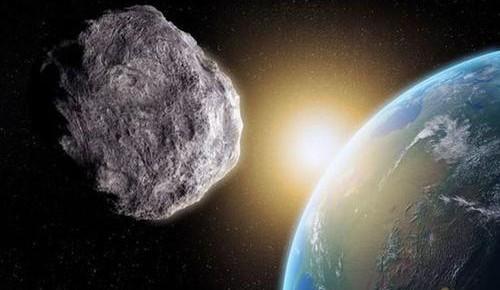 """一颗小行星10日将与地球""""擦肩而过"""""""