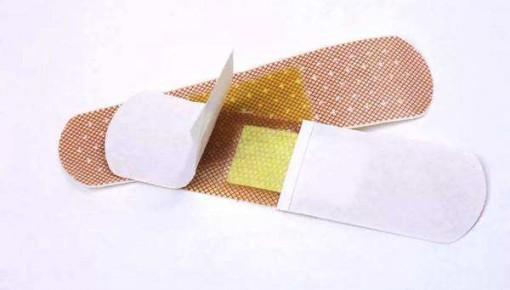 """新科技!""""创可贴""""传感器可贴于皮肤监测健康状况"""