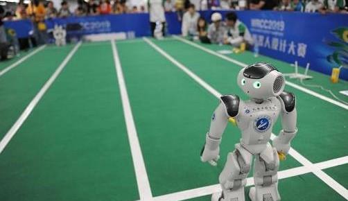 中国机器人产业报告发布,服务机器人规模有望突破22亿美元