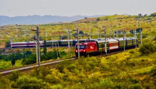 中国铁路职工的壮举,惊动了联合国!