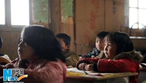 """为了贫困孩子求学路——广西以教育扶贫全力斩断""""穷根"""""""
