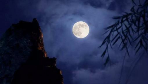 """今年中秋月系年中""""最小满月"""""""