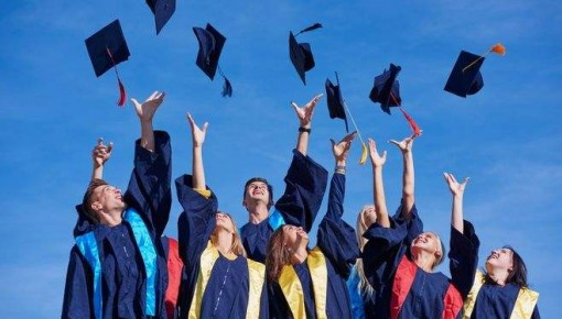 2018年抽檢博士學位論文占比超一成 博士論文抽檢問題突出高校被約談