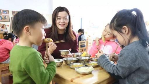 41.7万所中小学校和幼儿园落实相关负责人陪餐制度