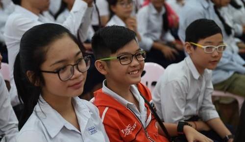 2018年超半數中小學生近視 15省份近視率超平均水平