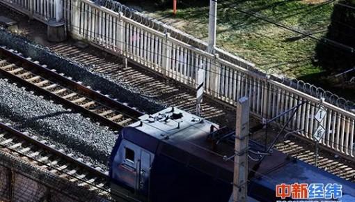 """""""刷证""""直接坐!年内百余火车站可用电子客票,车票不会丢了"""