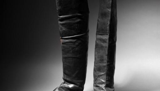 拿破仑的靴子在巴黎拍出11.7万欧元 曾随拿破仑流放小岛