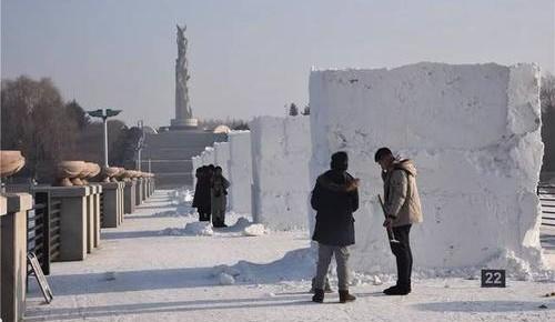 第五届中国长春大学生雪雕大赛开铲 36组雪雕将绽放春城