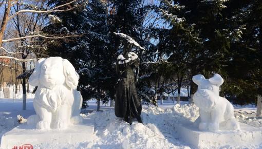 世界首创丨雕塑与冰雪的完美融合