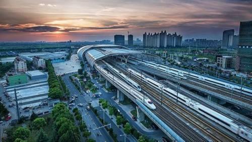 交通运输部:明年预计完成固定资产投资2.7万亿元