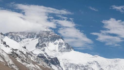 再次登顶珠峰,彰显中国人的精气神