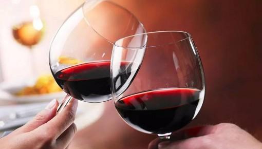 """喝茶、喝红酒可以预防心血管疾病?别被""""偏方""""骗了"""