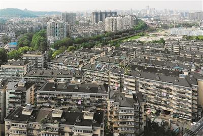 住建部:五年內完成2000年底前建成的老舊小區改造任務