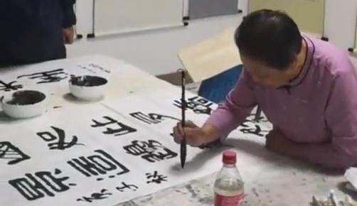 【幸福东北】80岁梅河奶奶赋诗为哪般?