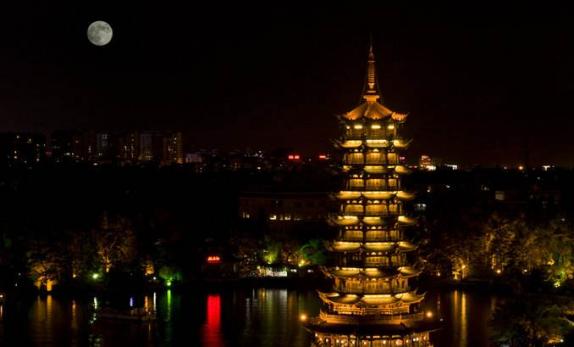 中秋国内游人次破亿 举家赏月带动夜游经济