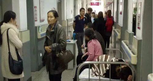吉林省妇幼保健院一名孕妇没床位只能加床待产