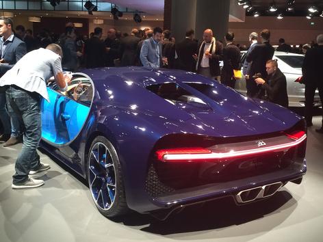 还是最快量产车 布加迪Chiron日内瓦发布