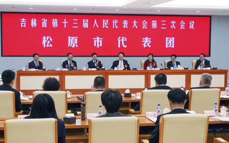 景俊海在参加松原代表团审议时强调 扭住脱贫攻坚关键 深入实施乡村振兴战略 全力实现保护生态和发展生态旅游相得益彰